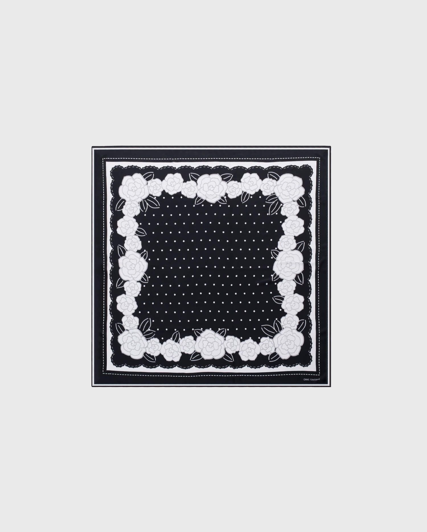 Add the ADRIAN - black and white scarf to you wardrobe for a chic addition to your Fall wardrobe